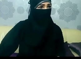 Arab mouldy aunty teasing surpassing camera