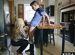 Juvenile guy fucks his shriek blonde Mummy stepmom