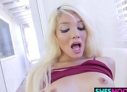 Fair-haired Porn Noob Elizabeth Jolie